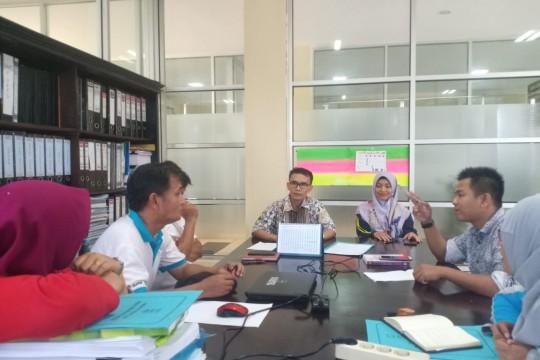 Menyusun Indikator Kemiskinan dalam Upaya Penanggulangan Kemiskinan Kabupaten Agam